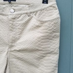 Lafayette 148 New York Crocodile Print Pants